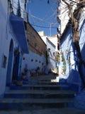 blå town Arkivfoton