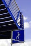 blå trappa Royaltyfri Foto