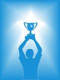 blå trofé för holdingmansilhouette vektor illustrationer