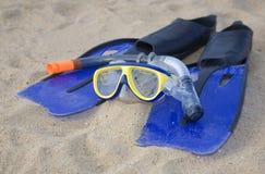 blå utrustning som snorkeling Arkivbilder