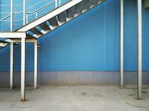 Blå vägg Arkivfoto