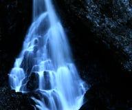 blå vattenfall Fotografering för Bildbyråer