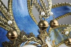 Blå Venetian maskering med metallklockor Royaltyfria Foton