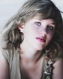 Blåa ögon som stjäler din anda royaltyfria foton