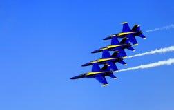 Blåa Angel Airshow på rödhakar AFB Royaltyfri Fotografi