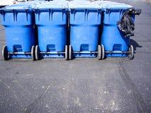 Blåa avfallbehållare Royaltyfri Fotografi