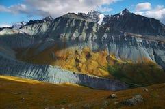 blåa berg Arkivfoto