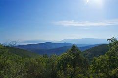blåa berg Royaltyfria Bilder