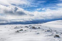 Blåa berg och moln Royaltyfri Bild