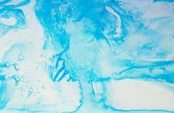 Blåa bioniska och naturmodeller vid målarfärgfläckar på papper - marb Arkivfoto