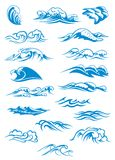 Blåa brytande havvågor Royaltyfri Foto