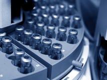 blåa cirkelliten medicinflaska Arkivfoto