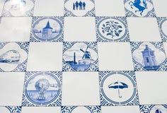 blåa delft tegelplattor Fotografering för Bildbyråer