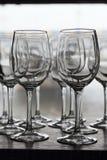 blåa dof-exponeringsglas blir grund wine fotografering för bildbyråer