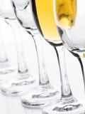 blåa dof-exponeringsglas blir grund wine royaltyfria bilder