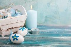 Blåa easter för vit ägg Arkivbild