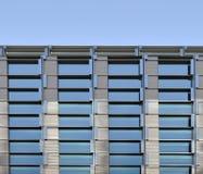 Blåa fönster för skyskrapa Royaltyfri Fotografi