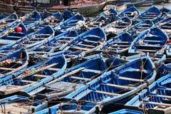 blåa fartyg Arkivfoton