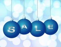 Blåa julbollar med silverordet Sale vektor illustrationer