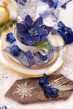 blåa julfärger som ställer in tabellen vit Royaltyfria Bilder