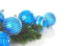 blåa julprydnadar Fotografering för Bildbyråer