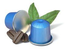 Blåa kaffekapslar med kaffebönor och sidor 3D Royaltyfri Fotografi
