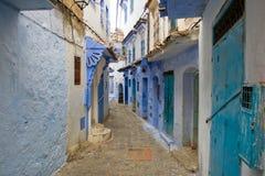 Blåa kulöra stadsgator av Chefchaouen, Marocko Royaltyfria Bilder