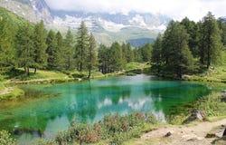 Blåa Lago, Breuil-Cervinia, Italien Arkivfoton