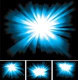 blåa ljusa ljusa strålar som shinning Arkivfoton