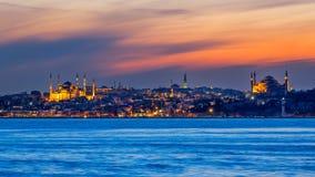 Blåa moské & Hagia Sophia på solnedgången - Istanbul Arkivbilder