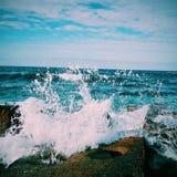 blåa naturliga havswaves för bakgrund Arkivbilder