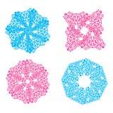 Blåa och rosa openwork snöflingor royaltyfri illustrationer
