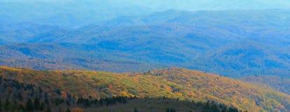 Blåa Ridge Mountain Range i NC Royaltyfria Foton