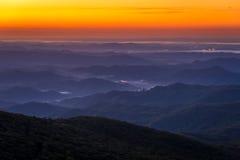 Blåa Ridge Mountain Sunrise arkivfoto