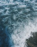 Blåa signalvågor arkivfoton
