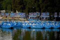 Blåa skovelfartyg Fotografering för Bildbyråer