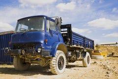 Blåa Tipper Truck royaltyfria foton
