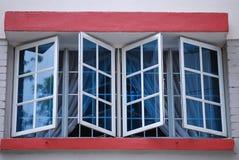 Blåa Windows royaltyfri fotografi