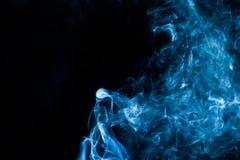 Blåaktig rök som kvinnor Royaltyfri Bild