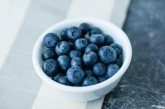 blåbär bowlar white Fotografering för Bildbyråer