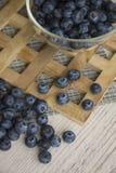 Blåbäret är källan av vitaminer Royaltyfria Bilder