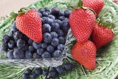 blåbärjordgubbar Arkivbild
