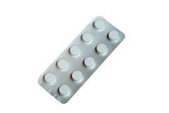 Blåsapacke av isolerade vita preventivpillerar Arkivbilder