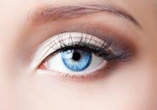 Blått öga för kvinna Royaltyfria Foton