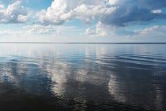 Blått baltiskt hav arkivbild