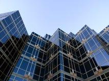 blått byggnadsexponeringsglas Royaltyfria Bilder