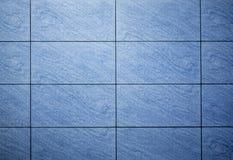 Blått färgade mosaikbakgrundstegelplattor Royaltyfri Foto