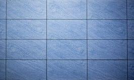 Blått färgade mosaikbakgrundstegelplattor Fotografering för Bildbyråer