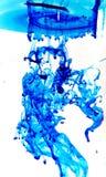 Blått färgpulver Arkivfoto