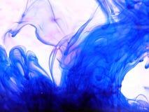 blått färgpulver Arkivbilder